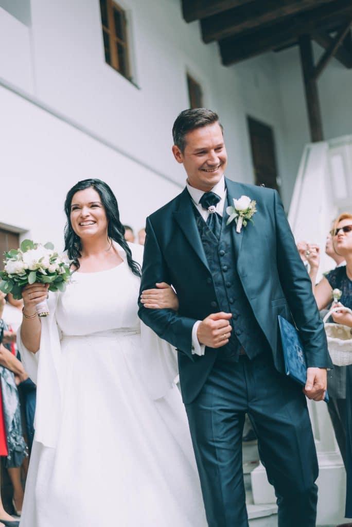 Brautpaar im Schloßhof des Schloß Stauff